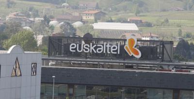 Pwc asesor legal de kutxabank en el proceso de salida a for Oficina kutxabank madrid