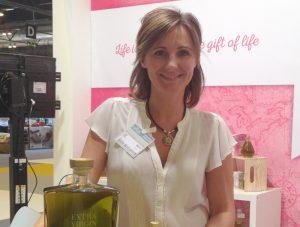 Amelia Medina Cuadros: 'Re-present y Ladyexceptional son dos proyectos que combinan aceite de calidad y la lucha contra el cáncer'