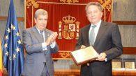El presidente del Foro Justicia y Discapacidad, y vocal del Consejo General del Poder Judicial, Juan Manuel Fernández Martínez; y el notario Juan Bolás