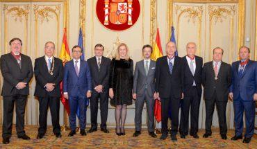 Órdenes de San Raimundo de Peñafort a seis notarios