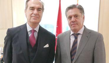 El decano del Colegio de Abogados de Madrid, José María Alonso y el presidente de la Audiencia Provincial de Madrid, Eduardo de Porres