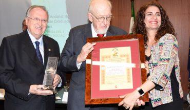 """Joaquín Galán recibe el premio """"Justicia Social Andaluza"""""""