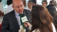 Salvador Vives recibe el Premio Juchimán