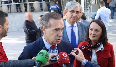 El decano del ICAM, José María Alonso, atiende a los medios tras visitar las obras en los juzgados de Plaza de Castilla
