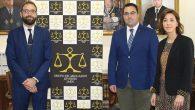 El GAJ de Jaén firma un convenio con la tienda de togas Lienza
