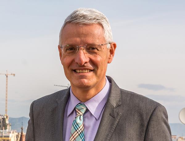 Francisco Lacasa, socio fundador y responsable del departamento de Transacciones, Fusiones y Adquisiciones de AGM Abogados