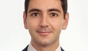 Vicente Gomar Giner, Abogado – Economista, Asociado en Cuatrecasas