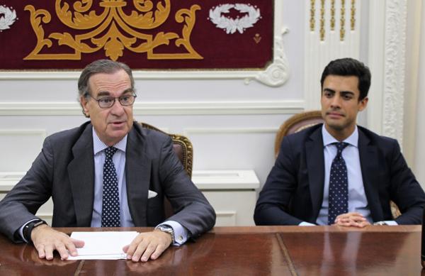 El decano del ICAM, José María Alonso, y el diputado de la Junta de Gobierno Juan Gonzalo Ospina