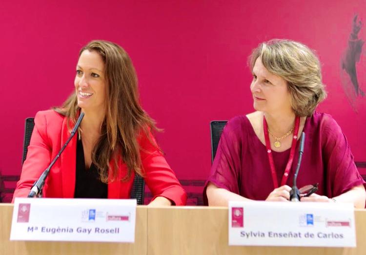 La decana del Colegio de la Abogacía de Barcelona, Mª Eugènia Gay, y la presidenta de ASCOM, Sylvia Enseñat