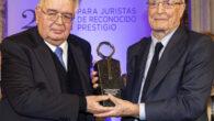 Antonio Garrigues Walker recibe el XXV Premio Pelayo
