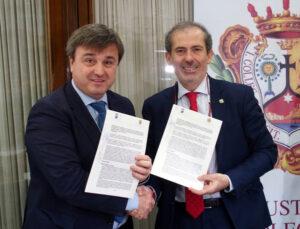 El decano del Colegio de Abogados de Málaga, Francisco Javier Lara, y el concejal delegado de Seguridad, Avelino Barrionuevo