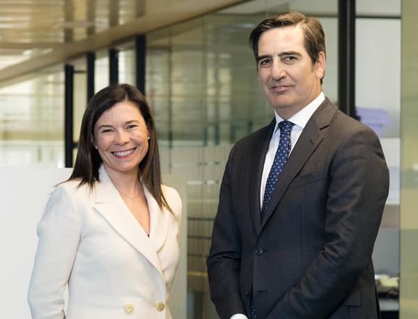 Pilar Menor, socia directora actual y Jesús Zapata, nuevo socio director a partir del 1 de mayo
