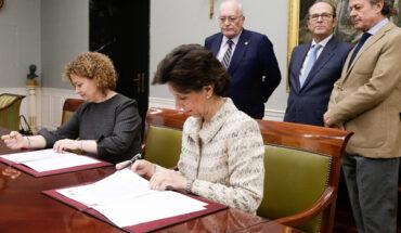 María José de la Fuente, presidenta del Tribunal de Cuentas y María Emilia Adán, decana del Colegio de Registradores de la Propiedad y Mercantiles de España