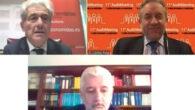 Valentín Pich, presidente del CGE y Carlos Puig de Travy, presidente del REA del CGE (debajo) Santiago Durán, presidente del ICAC