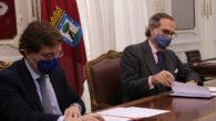 José Luis Martínez-Almeida y José María Alonso Puig en la firma del convenio