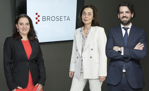 Rosa Vidal, Marta Alamán y Alberto Fernández Irízar de BROSETA