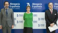 Enrique Sanz, presidente de la Mutualidad de la Abogacía, Victoria Ortega, presidenta del Consejo General de la Abogacía y José María Alonso, vicepresidente del Consejo General de la Abogacía, y decano del Colegio de Abogados de Madrid