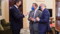 Reunión mantenida por el Colegio de Abogados de Granada con el delegado del Gobierno en Andalucía, Pedro Fernández