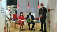 Firma del convenio entre INCIBE y SEGITTUR