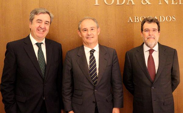 Miguel Crespo junto a Ignacio Toda y Ricard Nel-lo socios fundadores Toda & Nel-lo