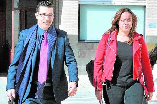 Pardo Geijo con una de las concejales que fue absuelta en 2020 por falsedad documental