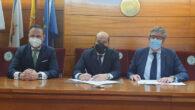 Augusto Pérez-Cepeda Vila, Decano del Colegio, Mario Barcenilla Moreno y Javier López Presidente y Tesorero del CEEG