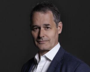 Jeremy Hoyland, socio director a nivel global de Simmons & Simmons