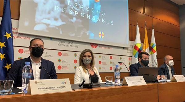 Pedro Albares en las Conferencias de Derecho Responsable en la Universidad CEU Cardenal Herrera de València