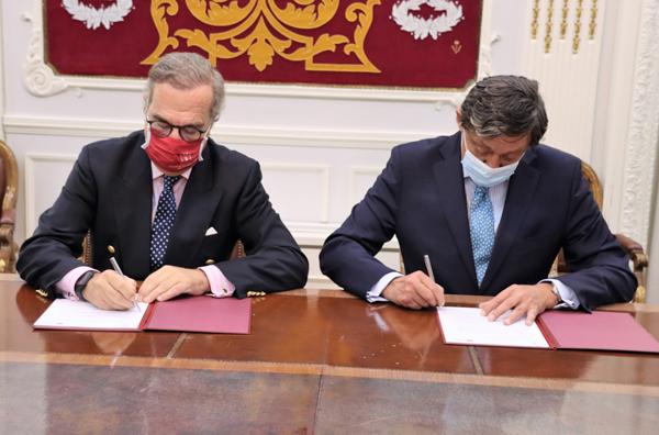 El decano del Colegio de Abogados de Madrid, José María Alonso, y el decano del Colegio de Procuradores de Madrid, Gabriel M.ª de Diego