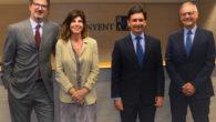 Joan Roca, presidente ejecutivo de Roca Junyent; Blanca Usón, socia de Derecho Fiscal de RJ; Luis Mas, socio fundador de MDV que se incorpora a RJ como nuevo socio de Fiscal, y Jordi Guarch, socio de Fiscal de RJ