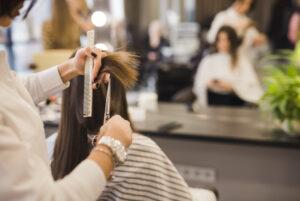 Una peluquera logra recuperar 9.000 euros por pérdida de beneficios durante el cierre en los períodos de Estado de Alarma