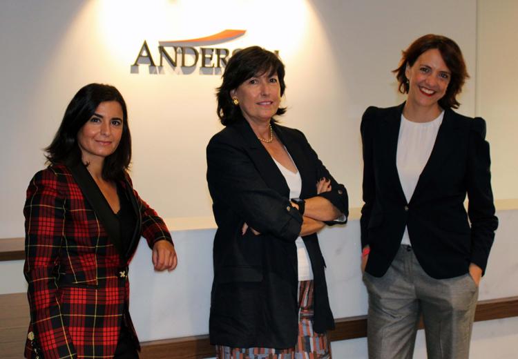 Raquel de la Viña, Victoria Caldevilla y Clara Marín