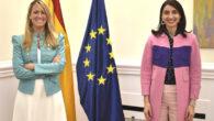 La decana del Colegio de la Abogacía de Barcelona, Mª Eugènia Gay, y la ministra de Justicia, Pilar Llop